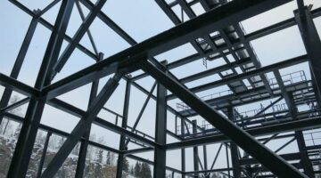 Демонтаж металлоконструкций: этапы и виды работ
